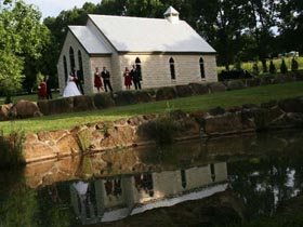 Weddings Tamborine, Cedar Creek Chapel