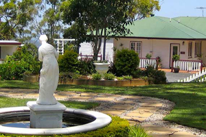 Hilltop on Tamborine, Accommodation, Bed and Breakfast