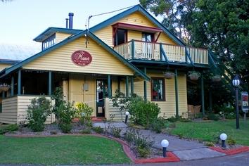 Tamborine Accommodation, Manor Resort,