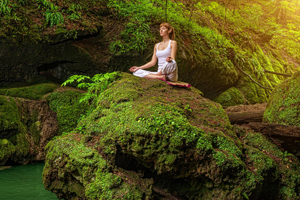 Yoga, Tamborine Mtn, Laurene Hassard