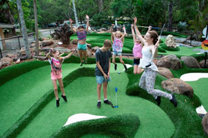 Attractions on Tambourine Mtn, Mini Golf at Thunderbird Park