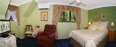 Tamborine Accommodation, Spa Retreat