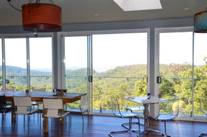 Hilltop on Tamborine, Restaurant, Cafe, Art Exhibitions Tamborine