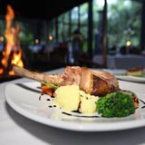 Pethers Restaurant, Accommodation, Eating Out Tamborine