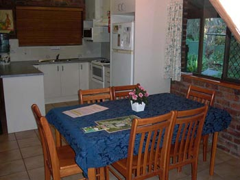 Accommodation Tamborine, Cottage on Tamborine, Gold Coast Hinterland