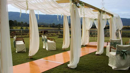 Weddings Tamborine, Clandullas Wedding, ceremonies