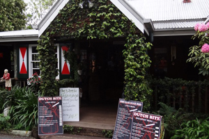 Clog Barn, Dutch Bite Cafe, Mt Tamborine, Gallery Walk