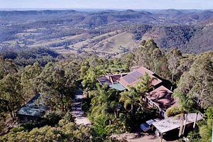 Accommodation, Tamborine Mtn B&B, Gumnut Cottage