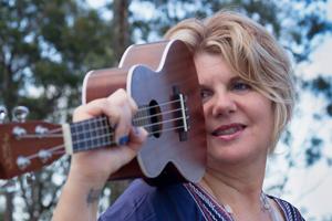 Dee Handyside, Tamborine Mountain, Wedding Singer, Discover Tamborine Mtn