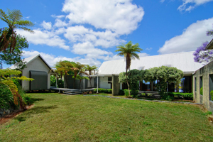 Retreat Mount tamborine, Accommodation, House to rent, Family accommodation
