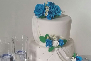 Whipped Creations, Wedding Cakes, Tamborine Weddings, Bridal Sweets